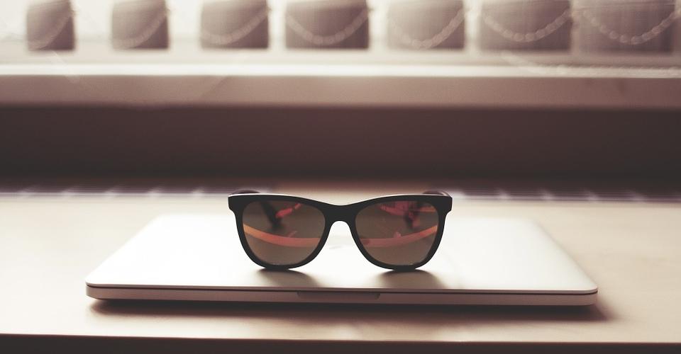 glasses-864961_960_720